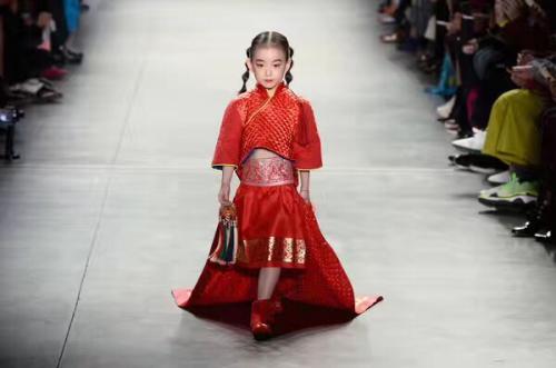 国际小超模薄荷嗨翻纽约时装周