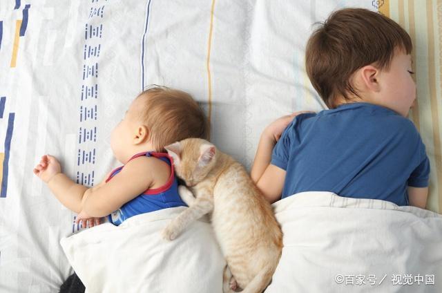 生二胎后,你家大宝跟谁睡?睡错了会直接影响大宝的性格,别大意