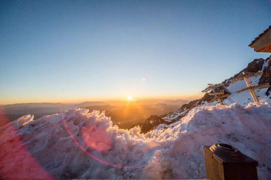 带TA去玉龙雪山看日出了吗?去的童鞋说美炸了!
