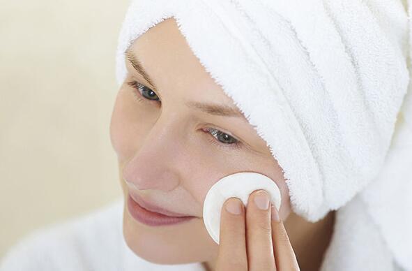 伊秀时尚网|精妆联华美容护肤四大方法全身变白