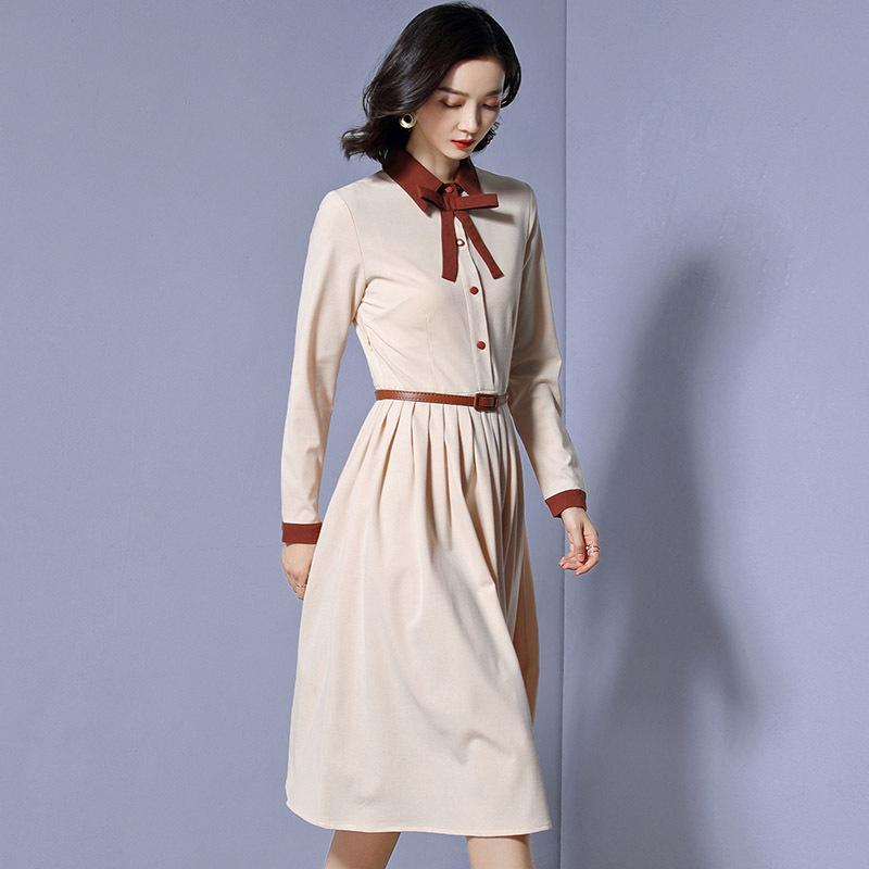 时尚圆领设计,优质的面料,让您美丽加分,3d的立体裁剪,优雅气质,营造图片