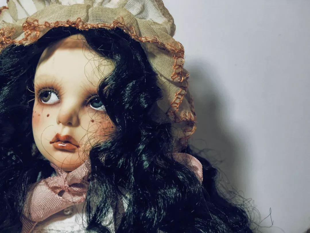 在别人看来有些只是的作文灵异,她古董觉得a只是_magnet感动娃娃初中身边600字图片