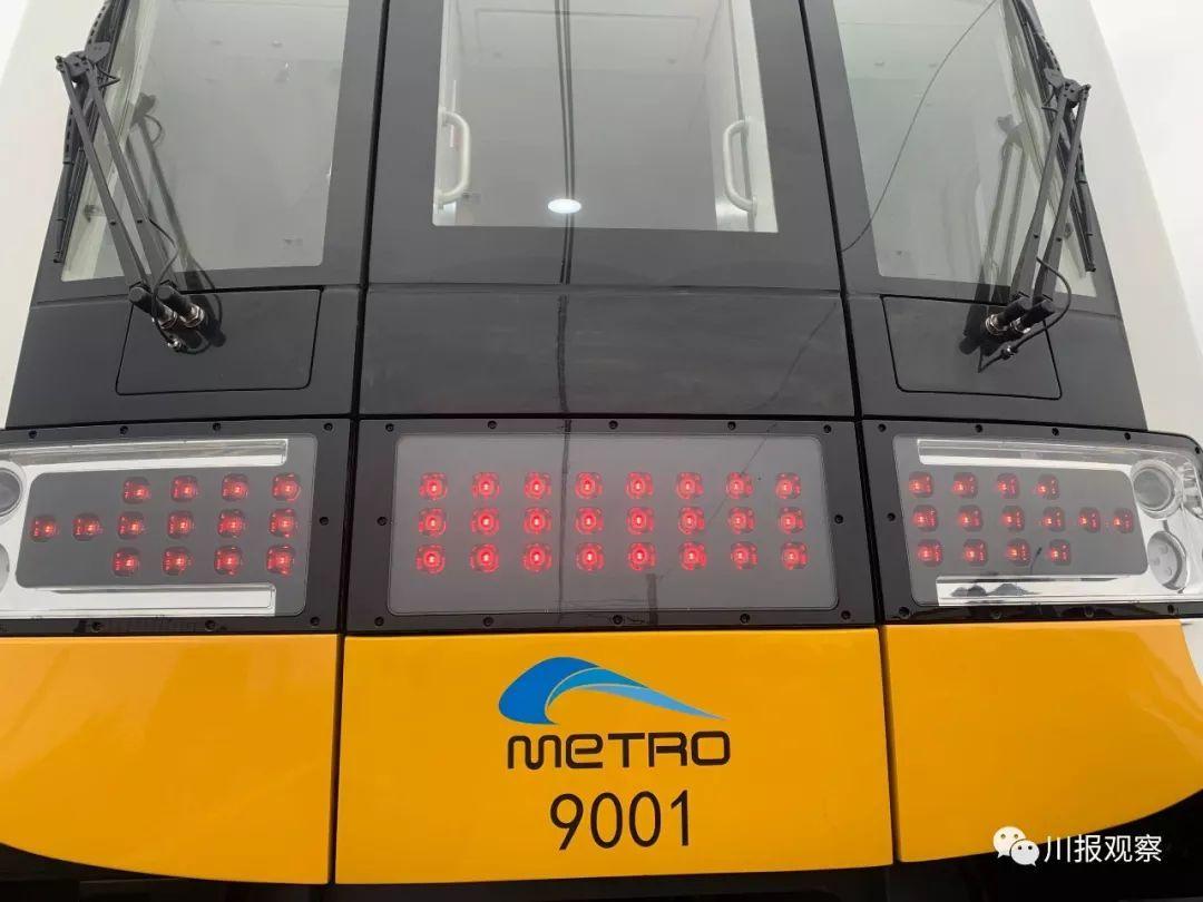 成都地铁首条全自动无人驾驶列车来了!