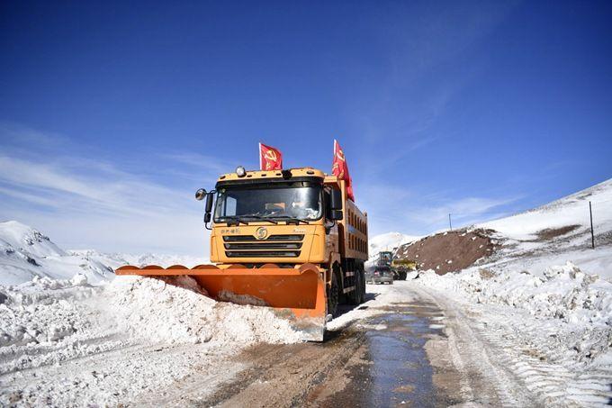 续读青海玉树雪灾救灾自去年12月以来持续10场降雪