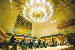 成都大中型音乐演艺场所已达37个 去年个唱160余场次