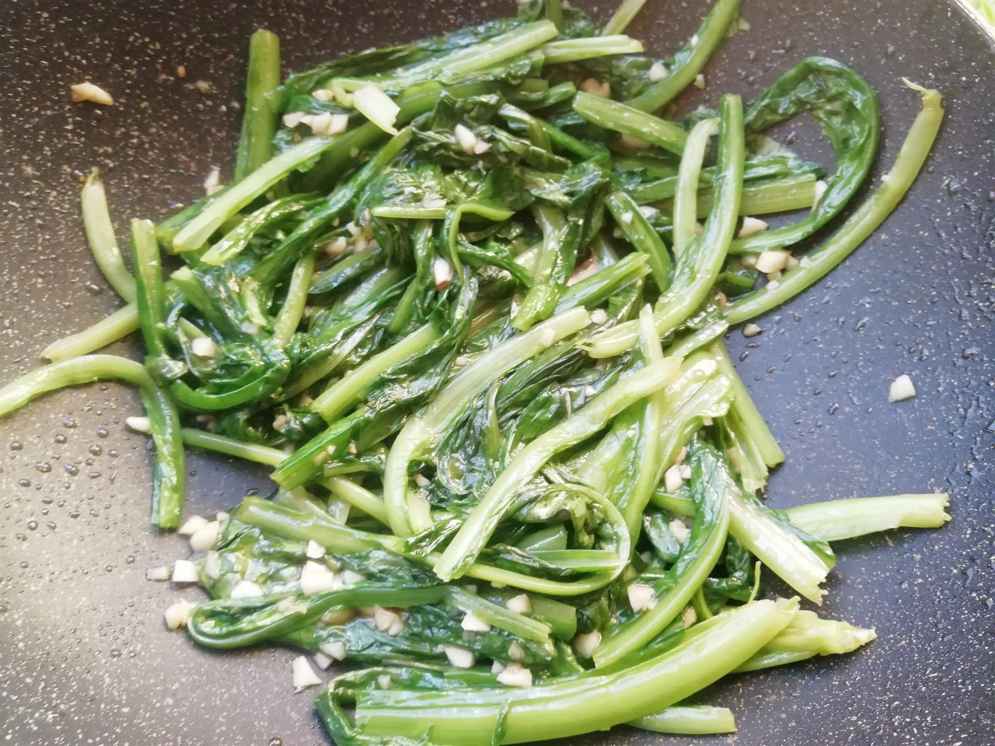 春季容易上火,这个菜特别适合吃,清淡脆嫩,清香润肺(图8)