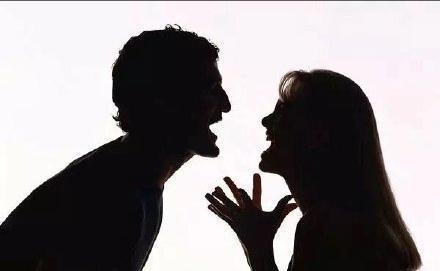 床头吵架床尾和两口子吵架是家务事?错!美国警察床尾等着哩