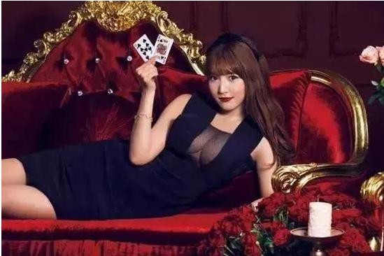 「性感荷官 在线发牌」,为何在线赌场喜欢在岛国片中植入广告?