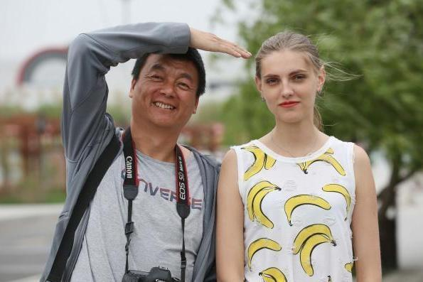 俄罗斯男人pk中国美女,泰国这是偏爱前者,美女为啥2美女v男人图片