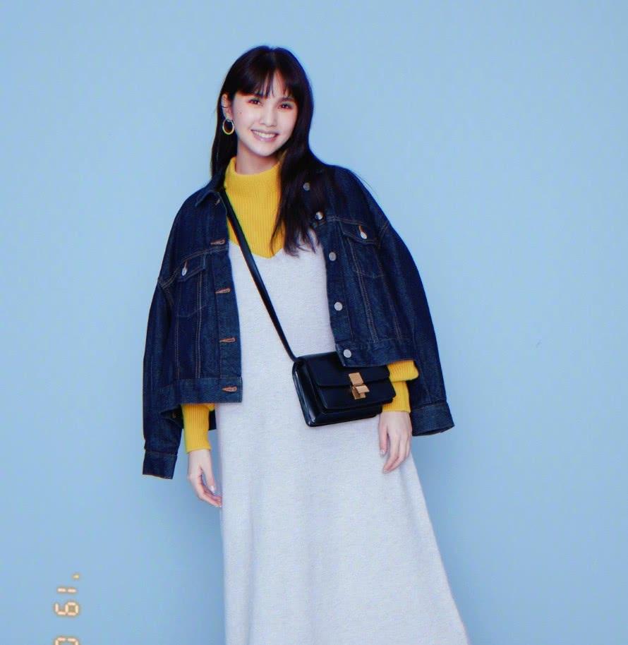 """彩色袜算什么,杨丞琳的""""奶牛袜""""才是时尚王道,瞬间减龄10岁"""