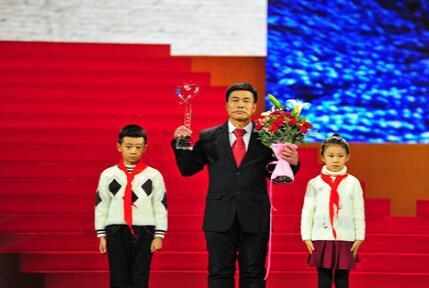 2019感动中国十大人物事迹及颁奖词