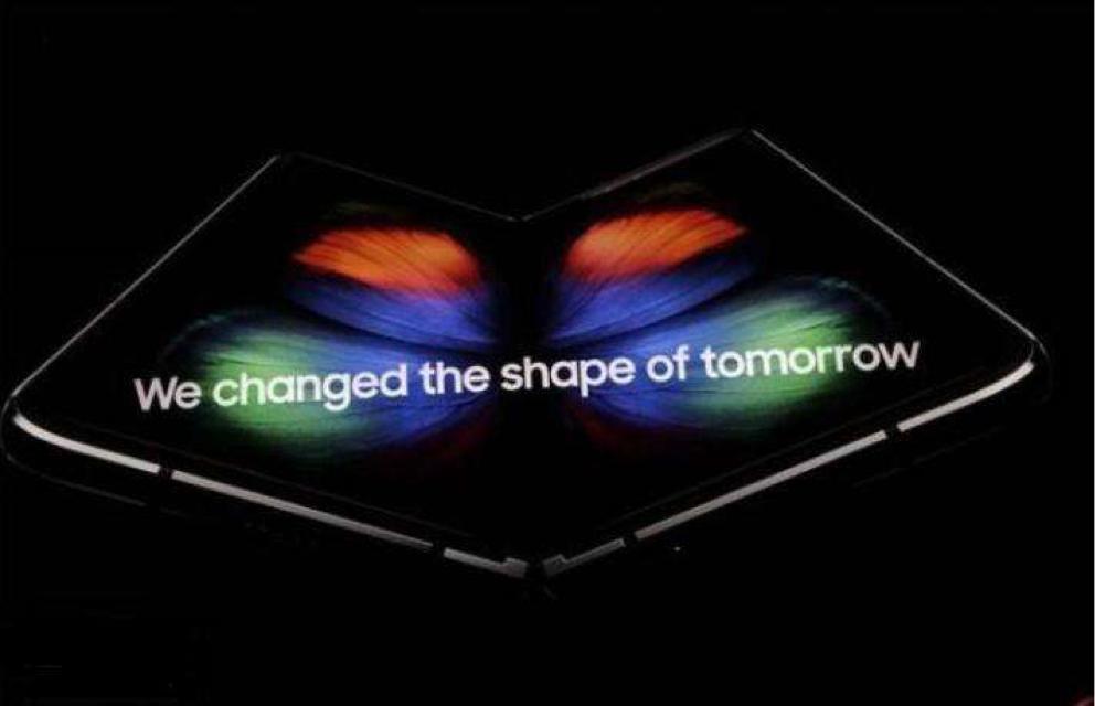 环球首款量产可折叠屏 三星Galaxy Fold正式公布
