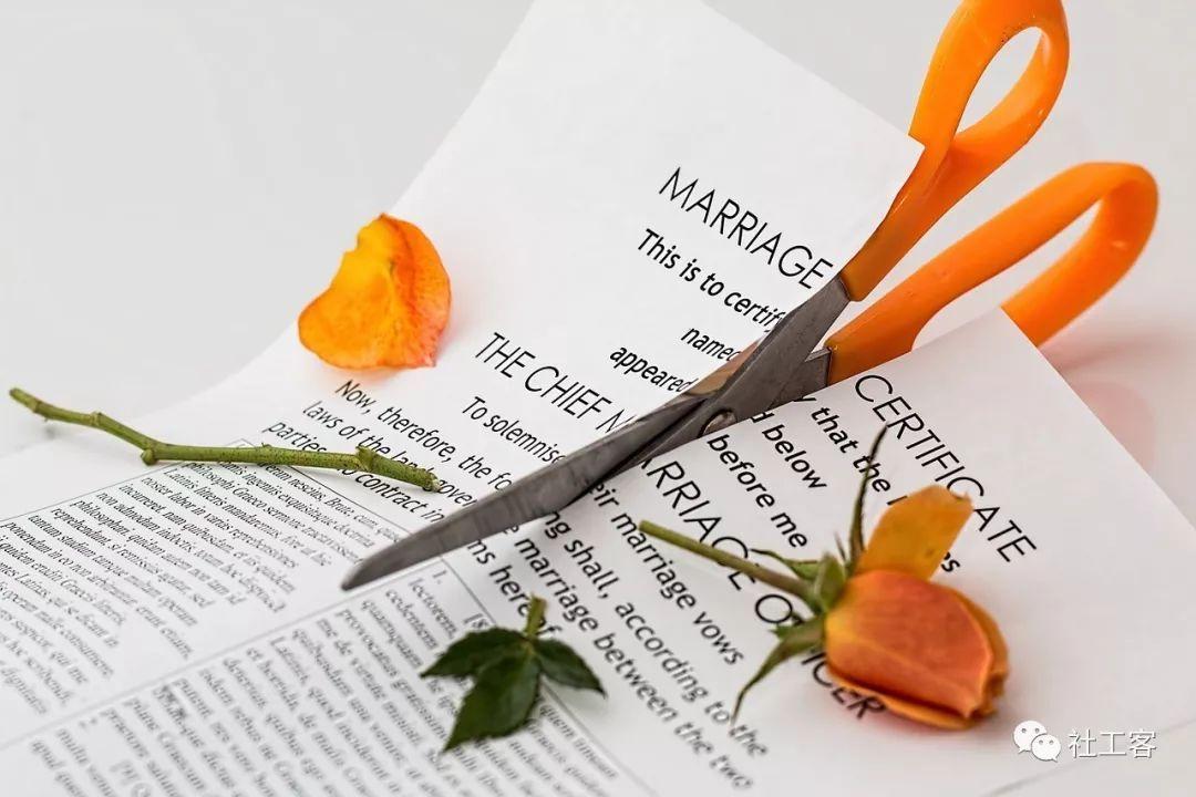 丈夫出轨提离婚,女子痛苦要轻生-婚姻调解服务案例