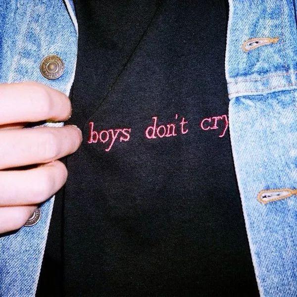 超市消費卡、穿不下的T恤,沒想到男生的情人節禮物這麼慘……