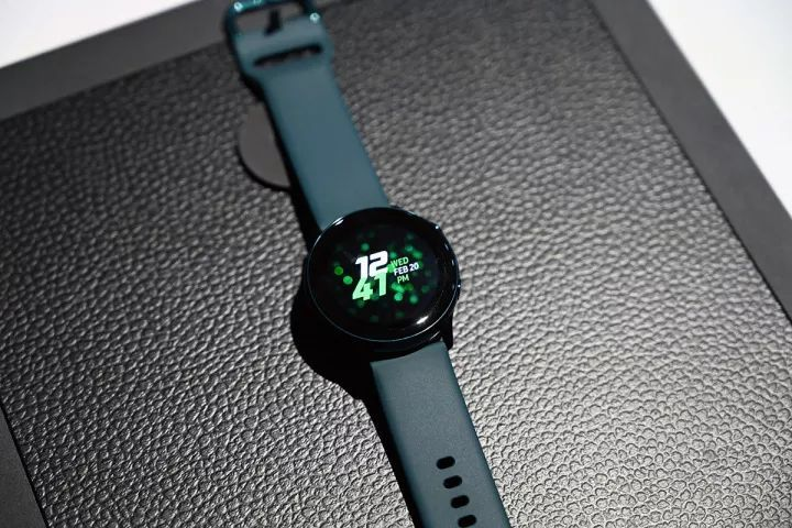 三星Galaxy Watch Active发布:美爆了