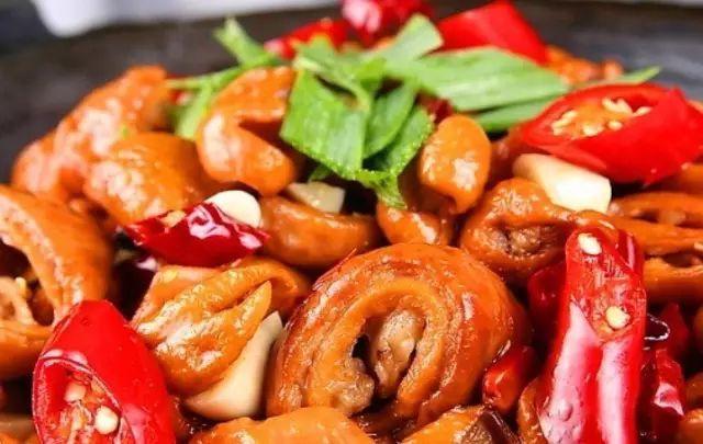 每年冬季最重要的事就是腌制腊肉腊肠