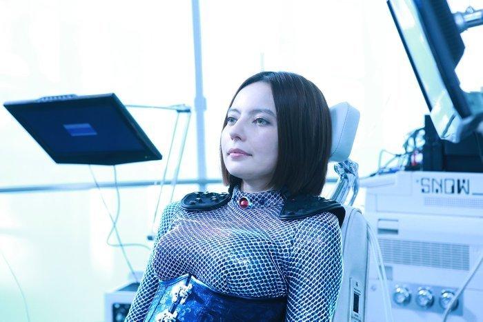 多栖艺人Becky一人分饰两角出演电影《麻雀放浪记2020》