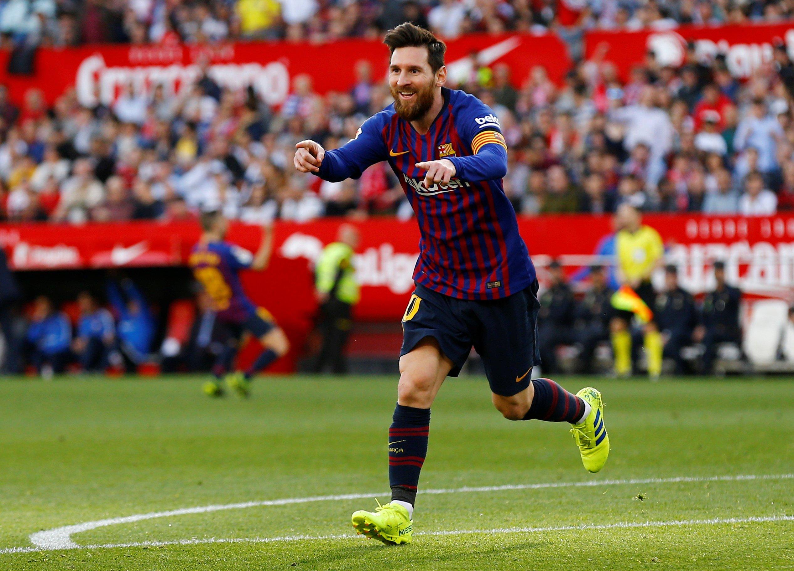 梅西在巴萨几号_足球——西甲:巴萨胜塞维利亚_巴塞罗那队