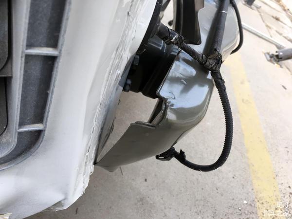 今天偶然拍到了已经停产的吉利帝豪RS,趴下_车家号_找车生活_车家
