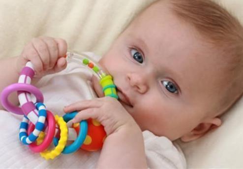 给新生宝宝买玩具要注意的那些细节,宝妈必看哟!