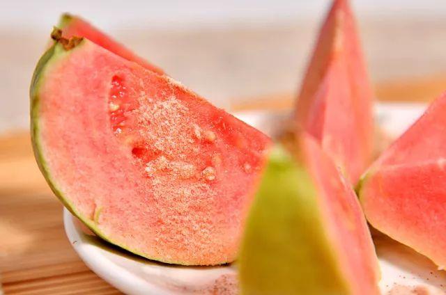 减肥塑身不用减肥药,健康水果吃出小蛮腰!