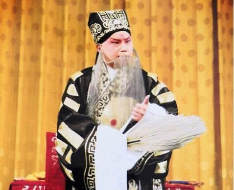 何云伟改名后再出奇葩言论:暗讽郭德纲的京剧是胡编乱唱 作者: 来源:金牌娱乐