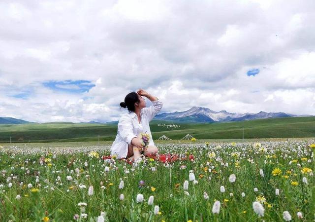 川西8日游3000元去四姑娘山、色达、稻城亚丁会不会有购物?