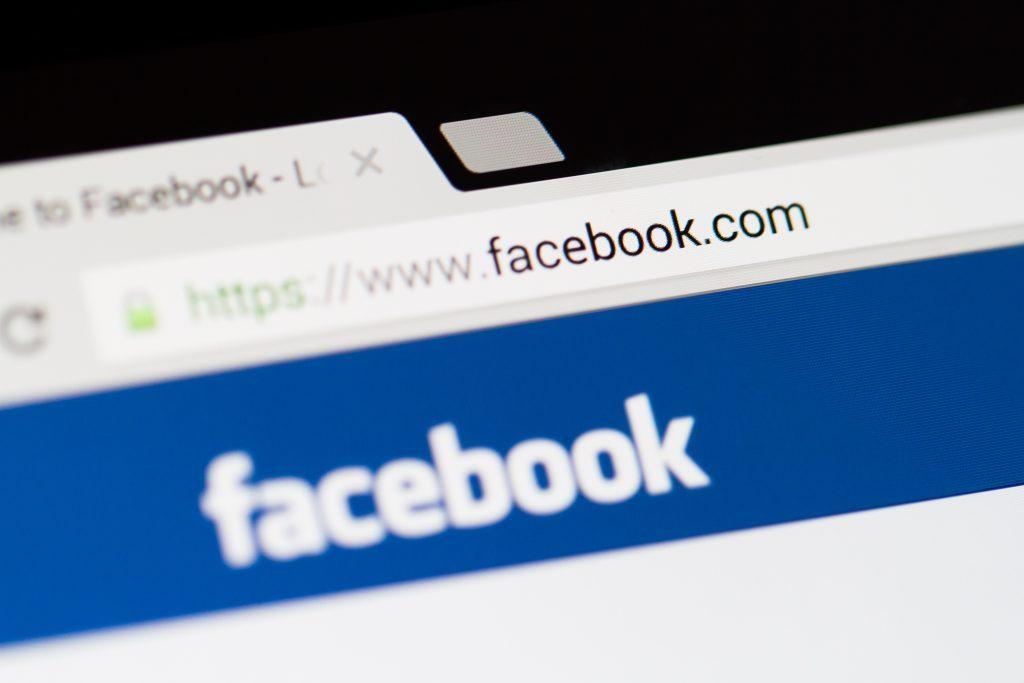 """Facebook将推出""""粉丝订阅""""功能,分成比例达30%"""