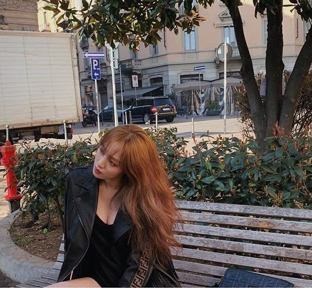 最美妖精李聖經曬街拍美照!黑白配造型,網:不愧是模特兒出身