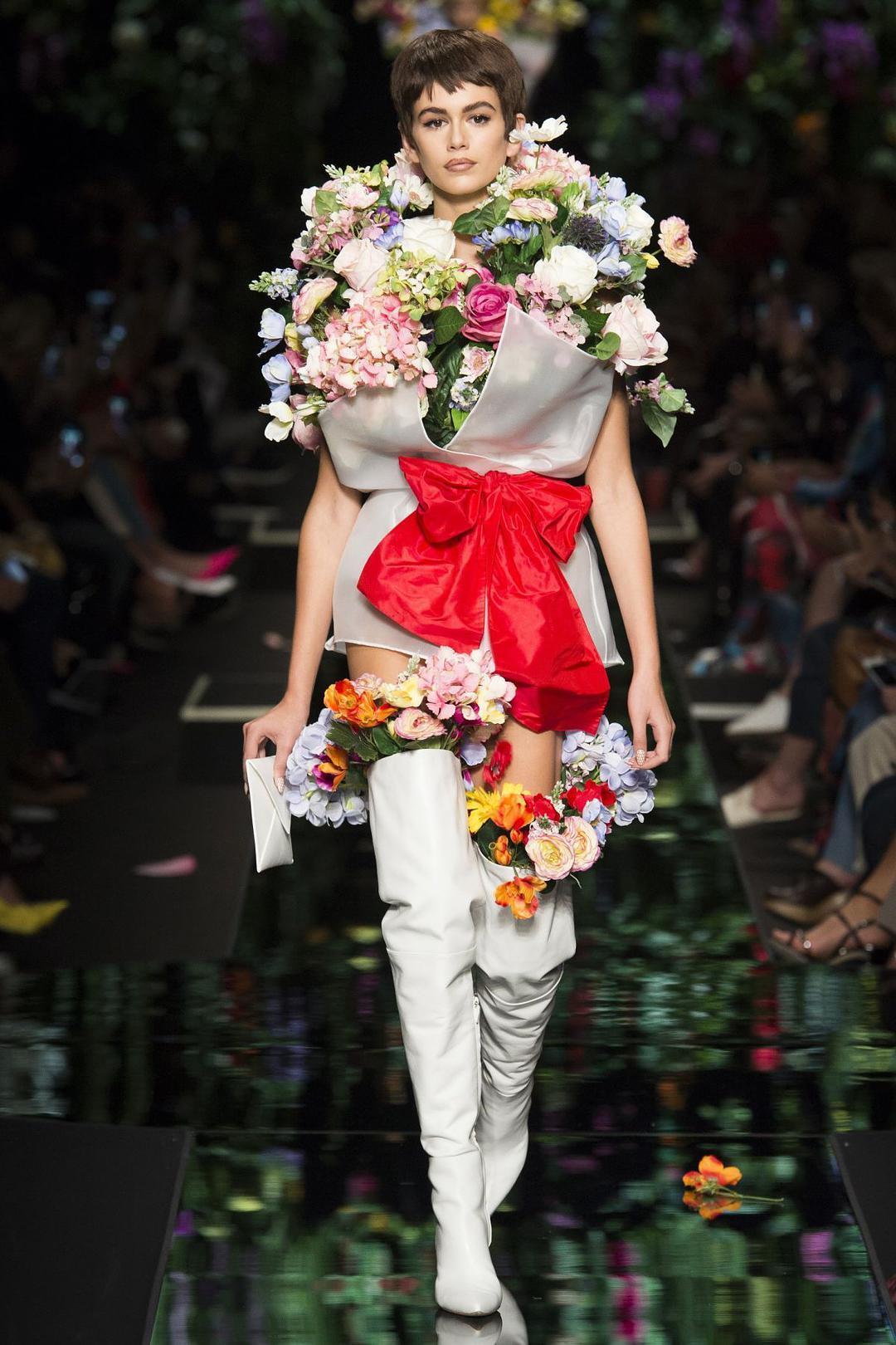 越「花」越美的時尚法則,超前審美原來是這樣煉成的!