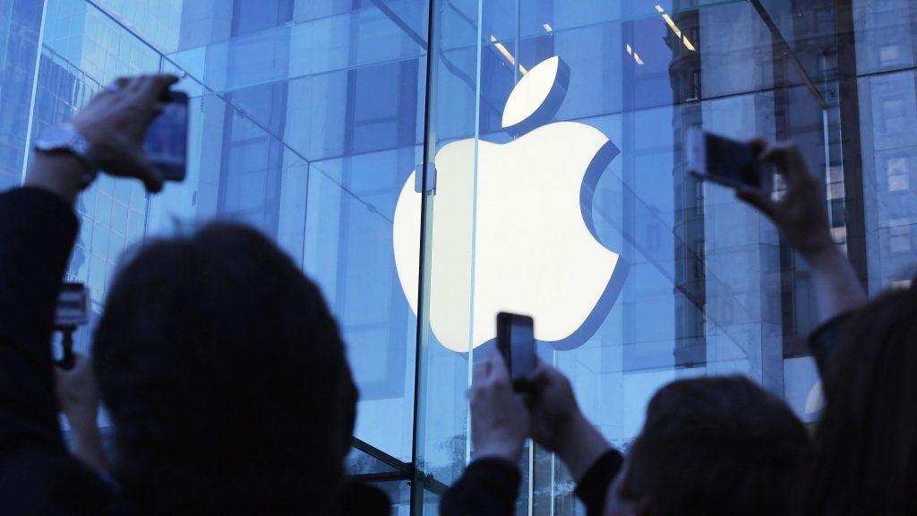 苹果要召开一场关于付费订阅的发布会,是为了补上 iPhone 的窟窿