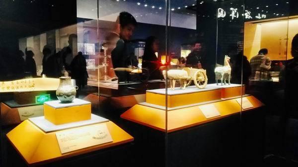"""一带一路中的青海:从五千年的陶瓮到明代金""""信符"""""""