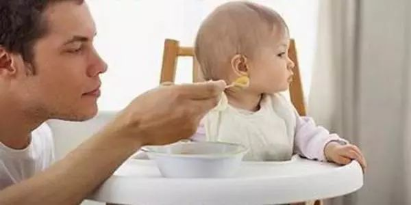 寶寶最近老是不想吃東西怎么辦?