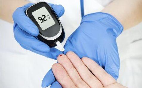 维生素C的抗氧化特性可降低糖尿病患者发生心血管疾病等并发症