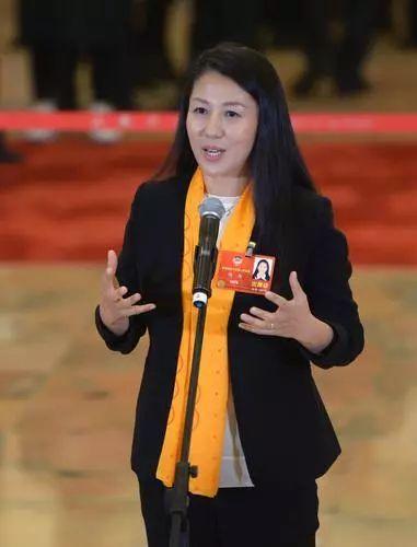 【产经】杨扬委员:重视中学、大学体育赛事建设