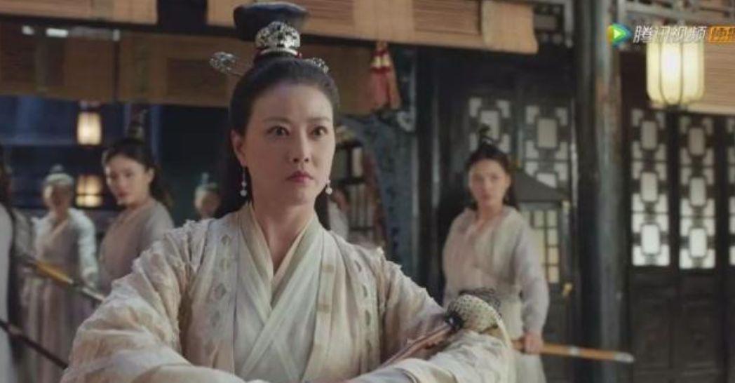 """比美高圓圓、賈靜雯,她47歲活得像20歲,這樣的女人都是狠角色。_年紀"""""""