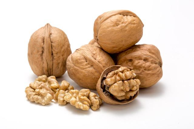 每周吃两次核桃,糖尿病风险可降低24%!但要注意不能超过这个量