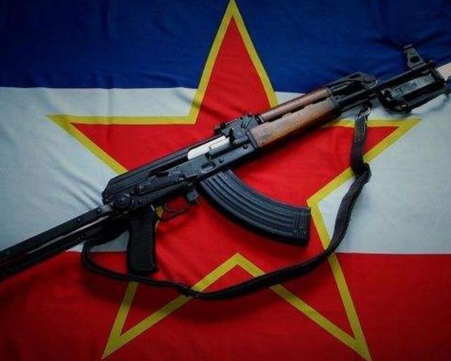 世界上最nb的武器_世界上杀人最多的武器,全球产量超过1亿支,死亡人数超过百万_ak