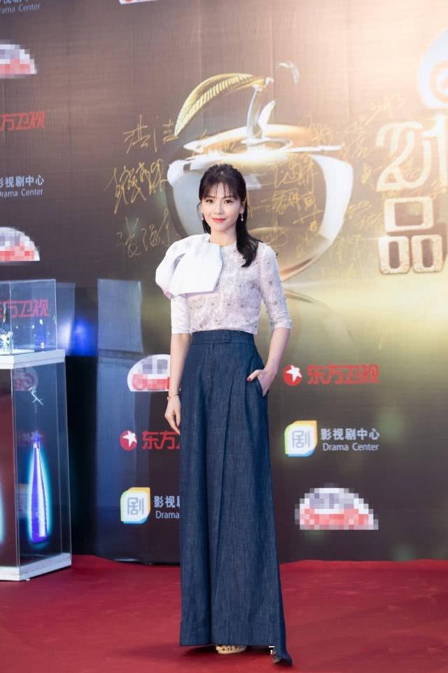 """刘涛真不愧是内涵女人,""""水晶""""衣搭配阔腿裤,气质显得好高雅!"""