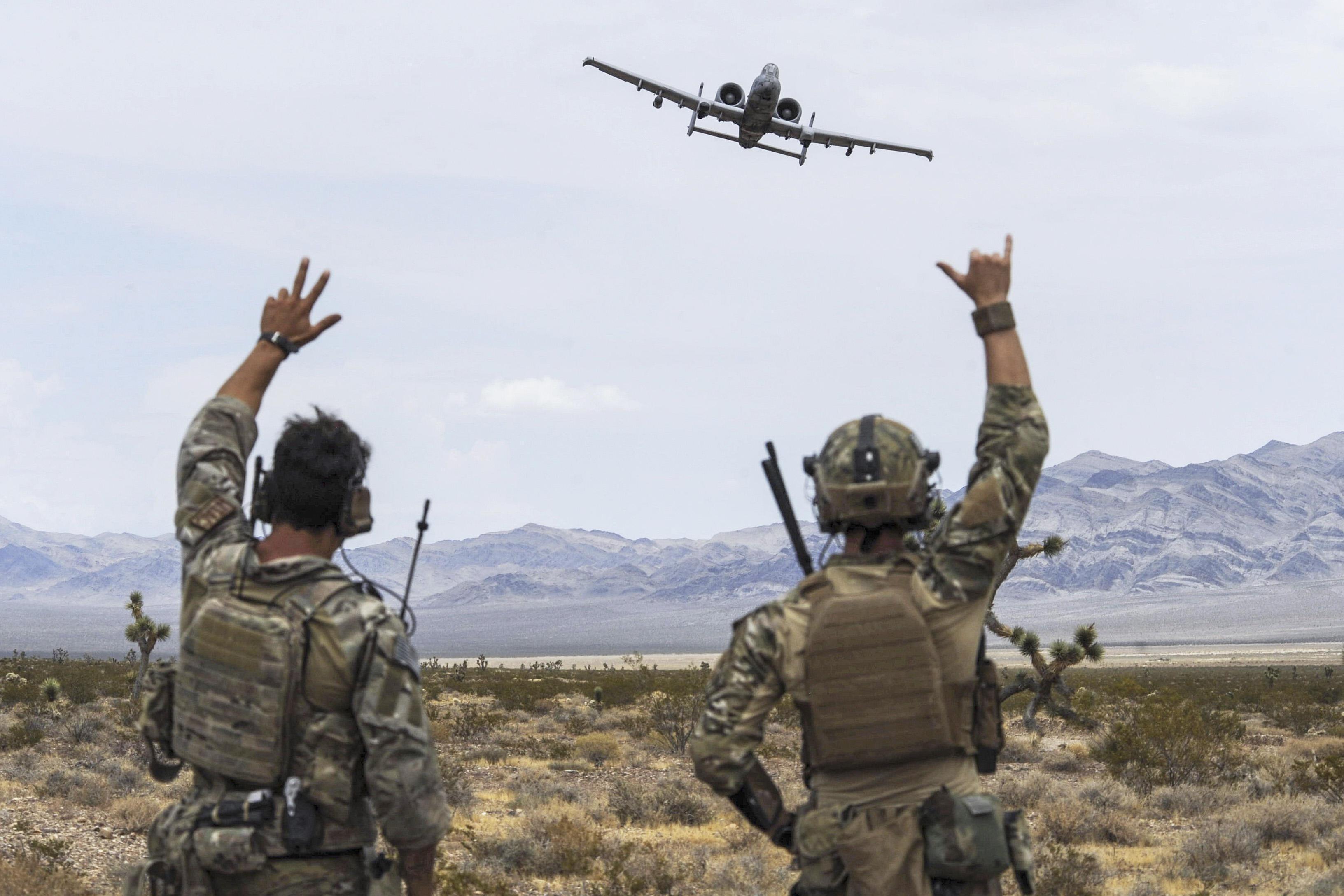 """全球军事实力排行_""""全球火力""""最新排名,美国军力蝉联第一,最差一位是邻国_数量"""