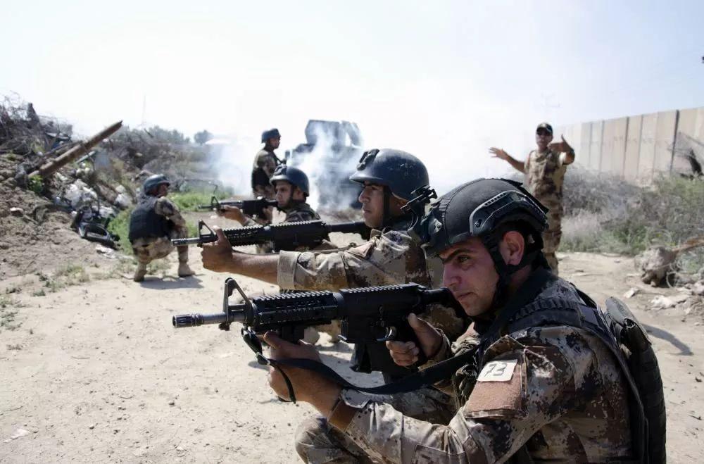 不要美国货,伊拉克反恐特种部队最钟爱中国荒漠迷彩,全部都穿上