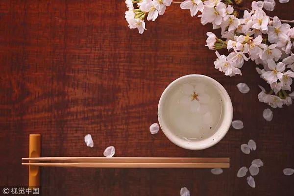 碗筷也有 使用寿命 ,厨房里有这些餐具的要小心了