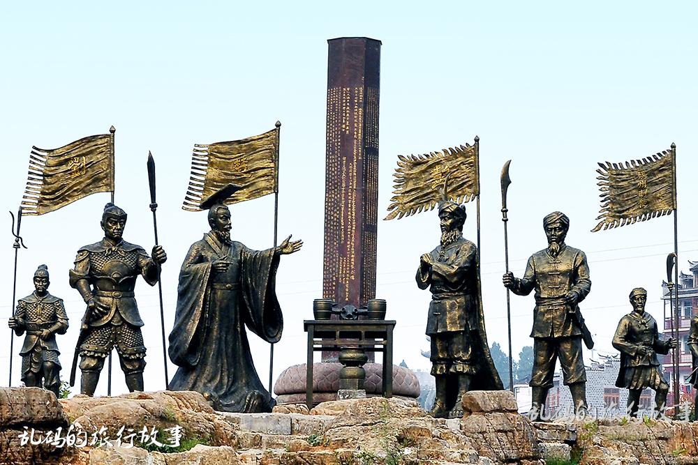 """中国唯一挂在瀑布上的千年古镇 美景不输周庄 被誉""""小南京""""!"""