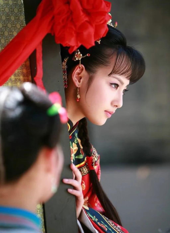 有种美叫张嘉倪虽然五官精致,可不修图时也太黑了