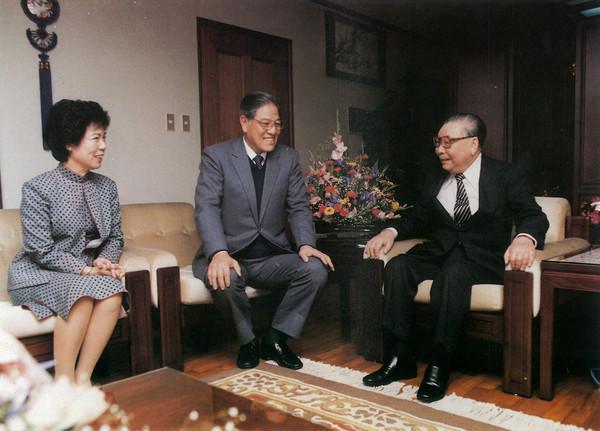 他是共*产党的叛徒,也是国*民党的叛徒 自称日本后代,分*裂中国_李*登辉 趣味历史 第4张