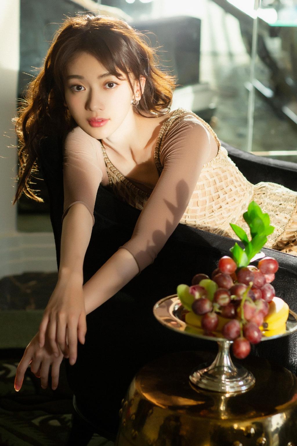 女演员吴谨言复古摩登性感写真 娱乐头条 第9张