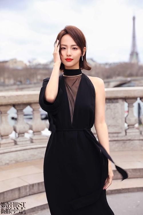 从街拍到秀场 看张嘉倪巴黎时装周百变穿搭_Akris 时尚生活 第2张