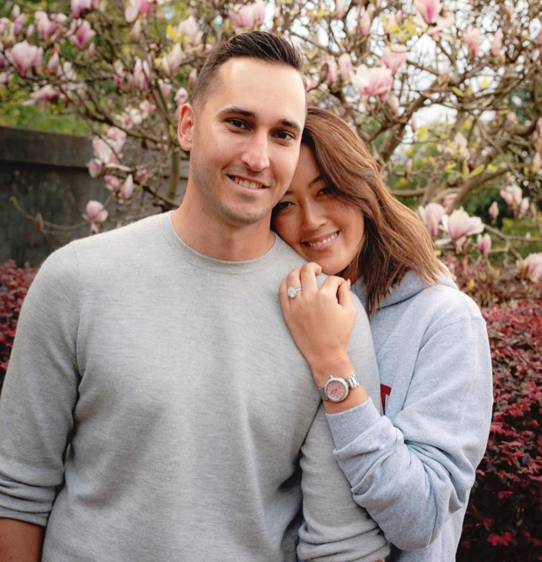 赛场失意情场得意 魏圣美社交媒体宣布男友求婚成功 _比赛 体育新闻 第1张