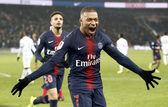 姆巴佩:输曼联一晚上没睡 今夏留巴黎卷土重来_比赛 体育新闻 第1张