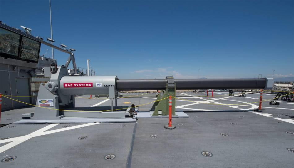 卫星拍下一组照片,一国电磁炮击穿12层混凝土板,美媒:西方技术_试验 军事在线 第3张